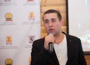 Олег Слизько виступає перед Донецькою молоддю