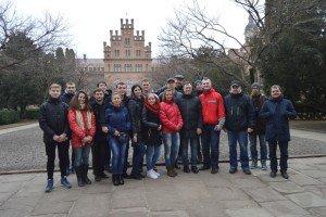 Учасники на екскурсії у Чернівцях