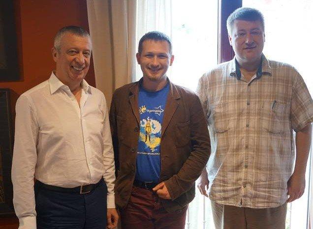 Республіканець Артем Ніколенко з видатними юристами Вадимом Клювгантом та Сергієм Пашиним