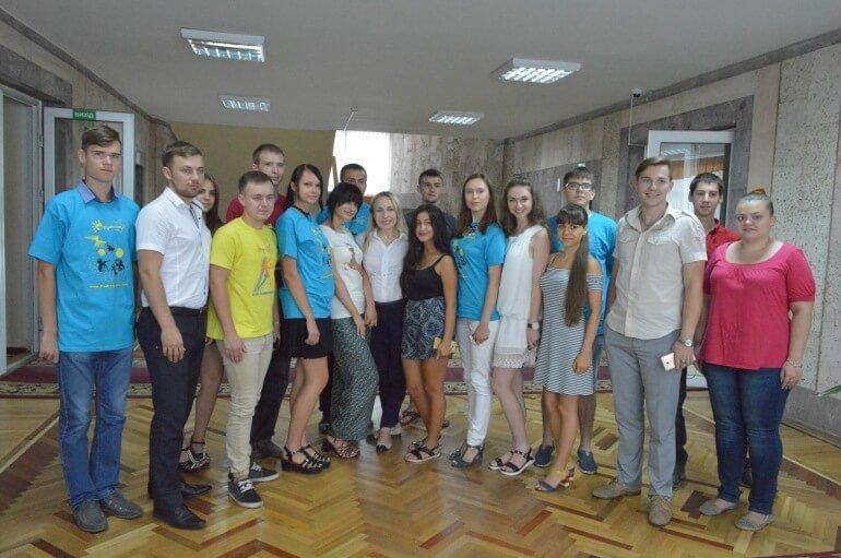 485-Glava-nikolaevskogo-oblsoveta-vstretilas-so-studrespublikantsami_11